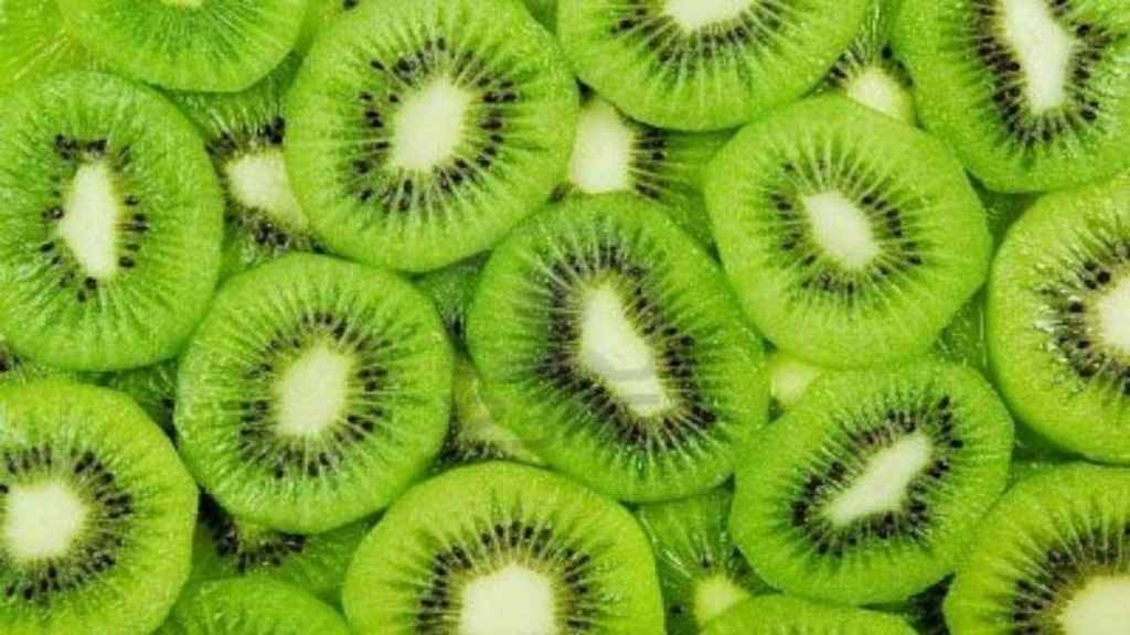 Top Foods to Keep your Immune System Strong Kiwi-story_647_072916104412